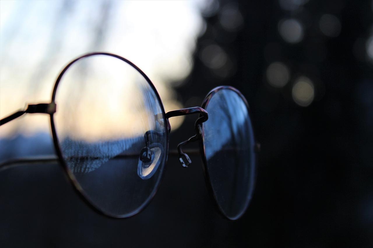 glasses, retro, vintage-3301674.jpg